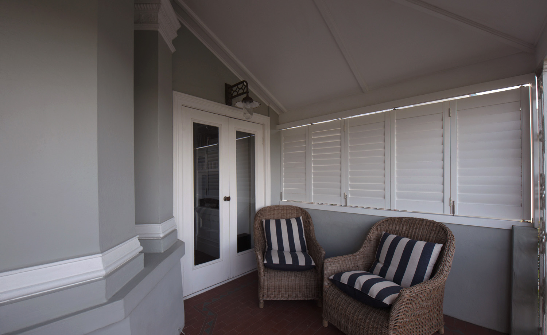 05B_Intercity-Interiors_Elizabeth-Bay-Apartment-Renovation_Verandah.jpg