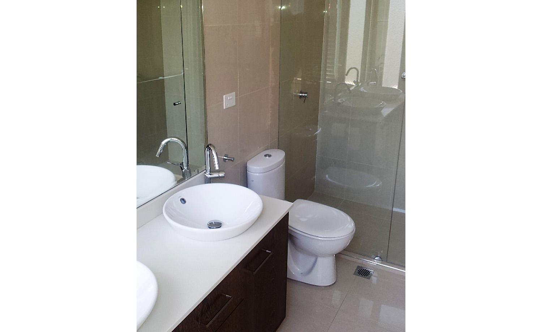 06B_Intercity-Interiors_Elizabeth-Bay-Apartment-Renovation_Bathroom.jpg