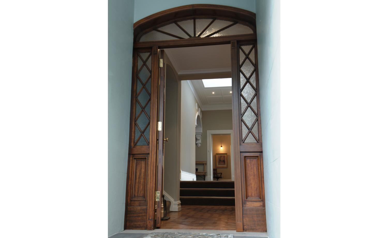 07_Intercity-Interiors_Elizabeth-Bay-Apartment-Renovation_Entry.jpg