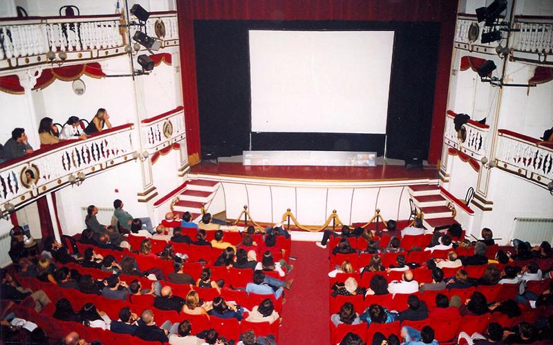 artecinema 2001_06.jpg