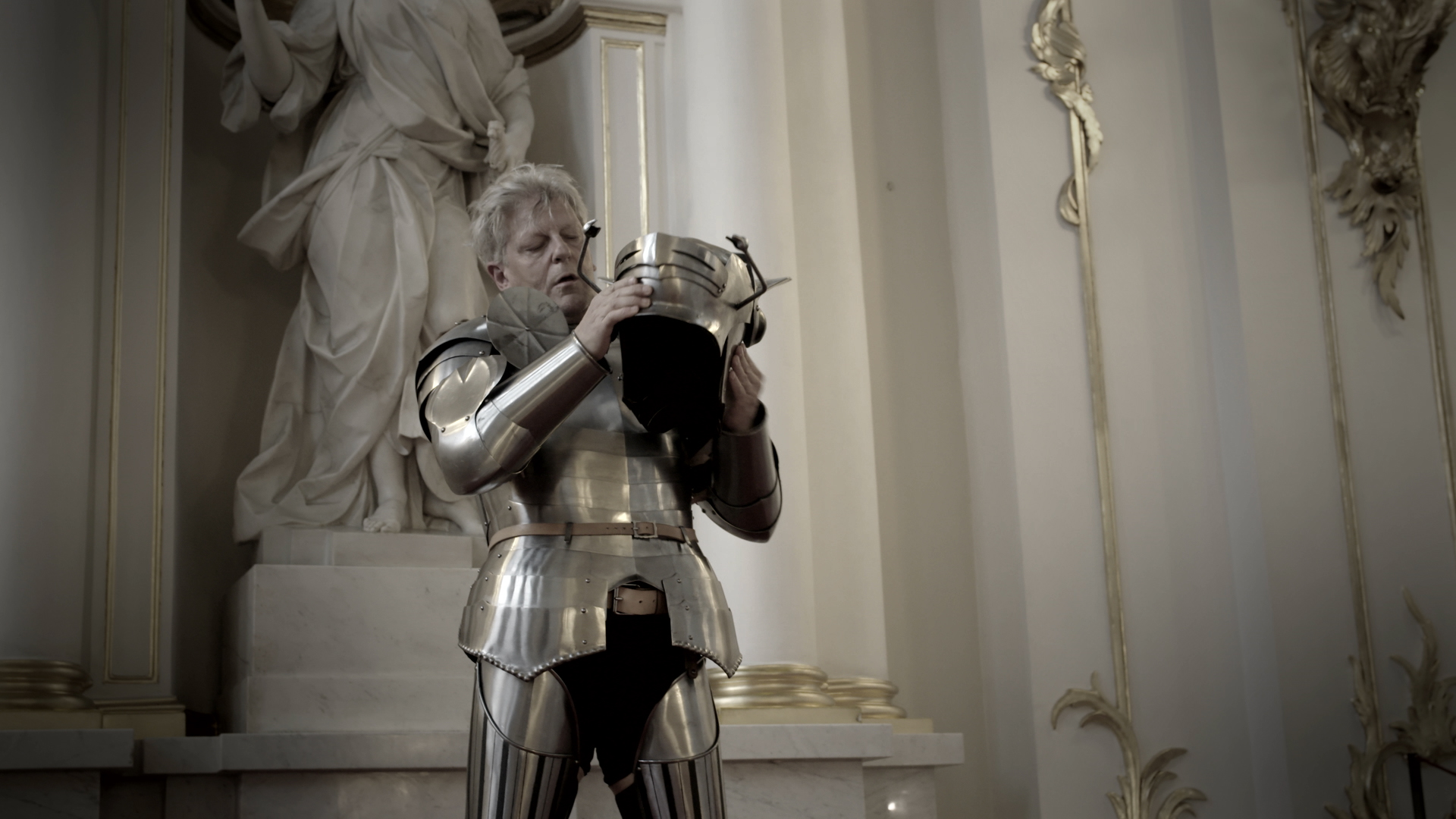 Fabre at the Hermitage_VI.00_00_42_00.Image fixe019.jpg