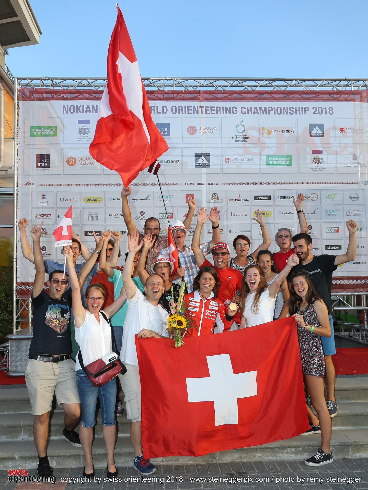 Il Fan Club FORZA ELENA presente in Lettonia con la medaglia d'oro!