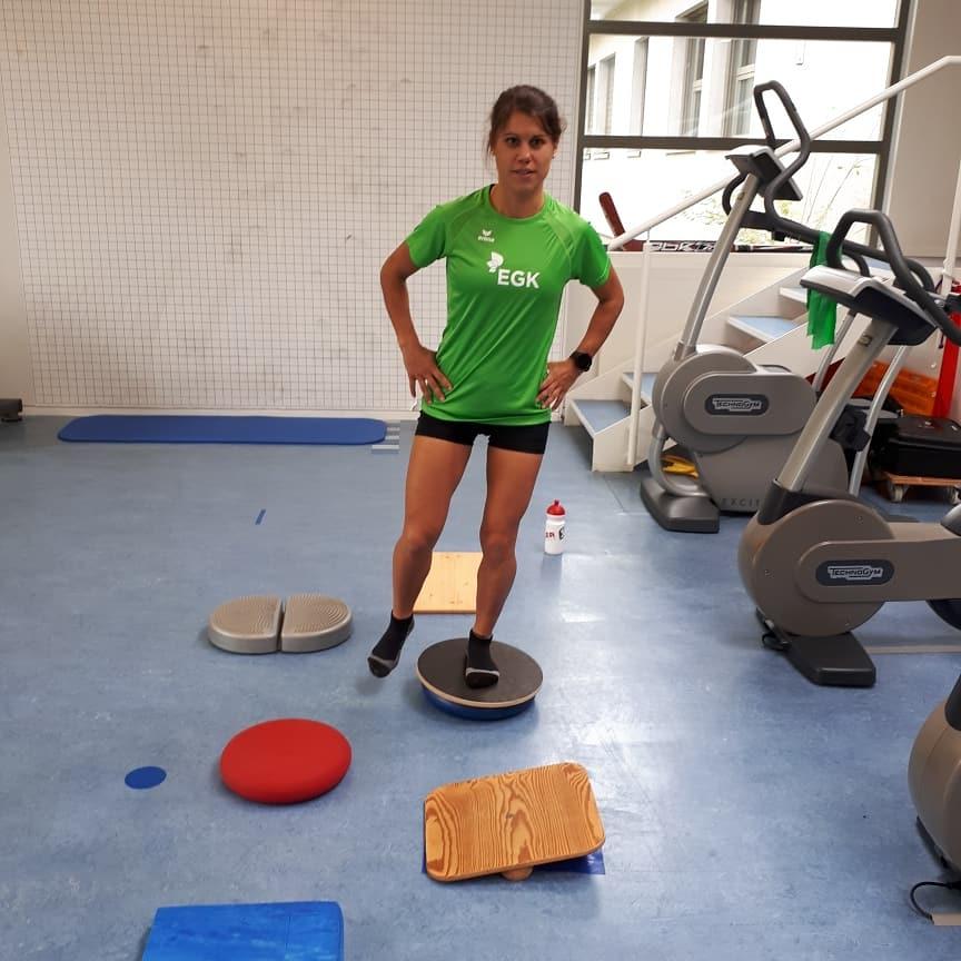 Fisio: esercizi di equilibrio, di mobilità , di forza, ecc