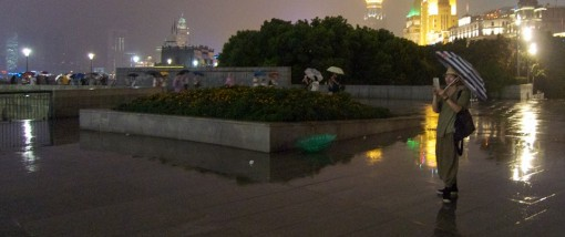 18-Shanghai-Bund-rain-night-510x214.jpg