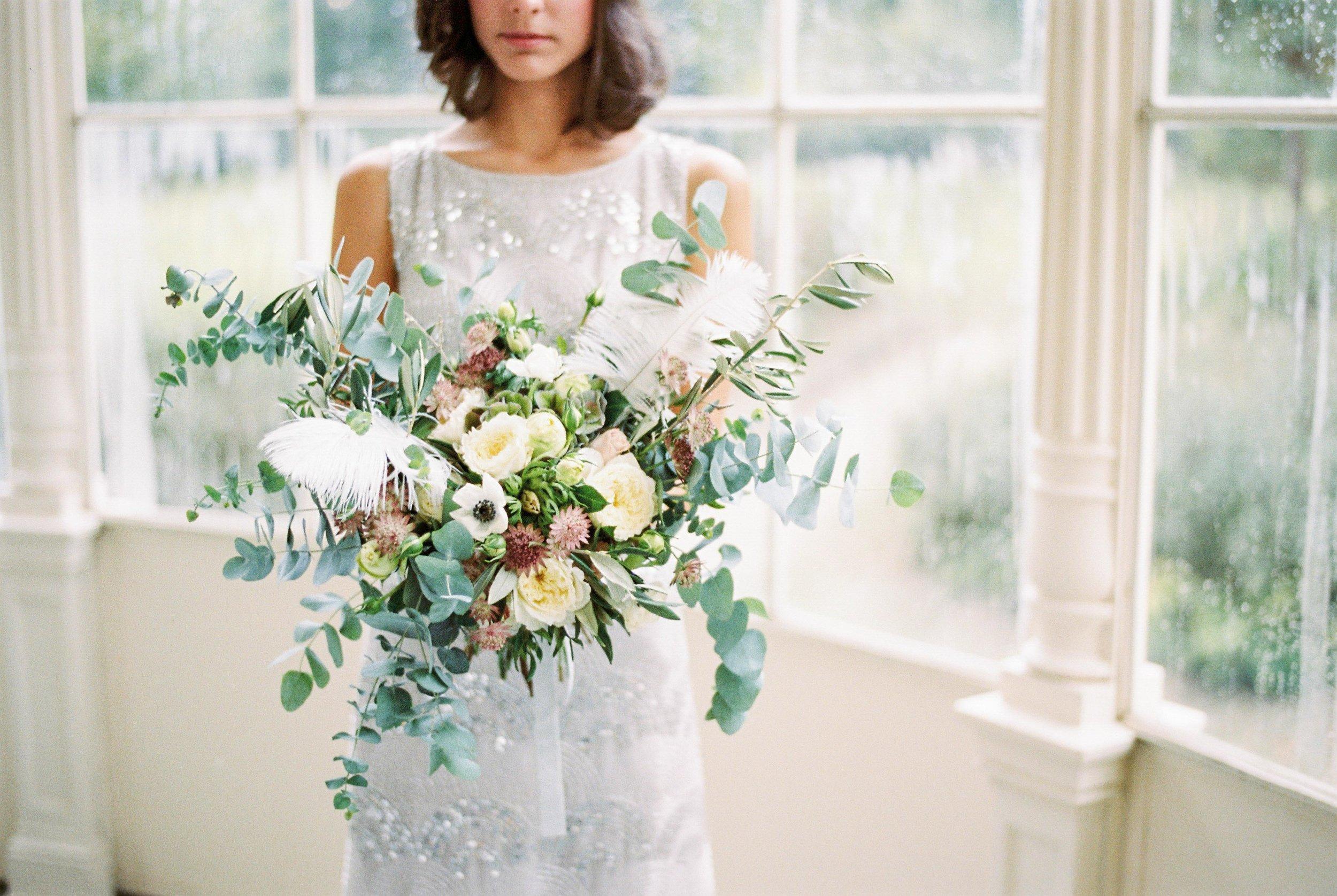 eskuvo-csokor-daalarna-natural-wedding-decor.jpg