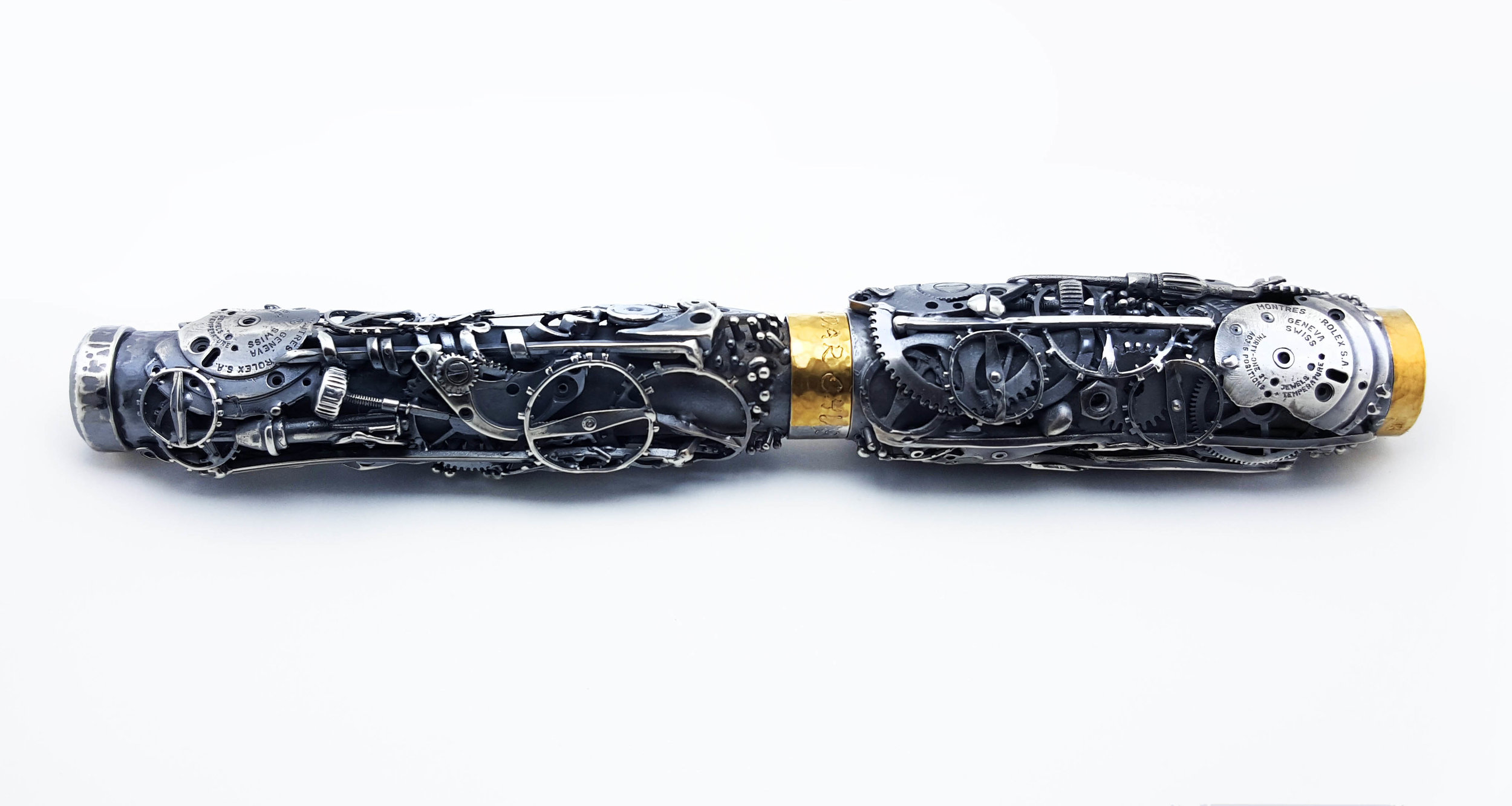 Crown& Gear Pen White BG 01 reduced.jpg