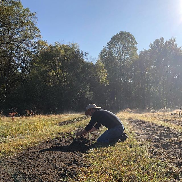 Planting Day. Photo credit to Tommy Brunton. #farmerflorist #rightfieldfarm #marylandgrownflowers #slowflowers #coolflowers