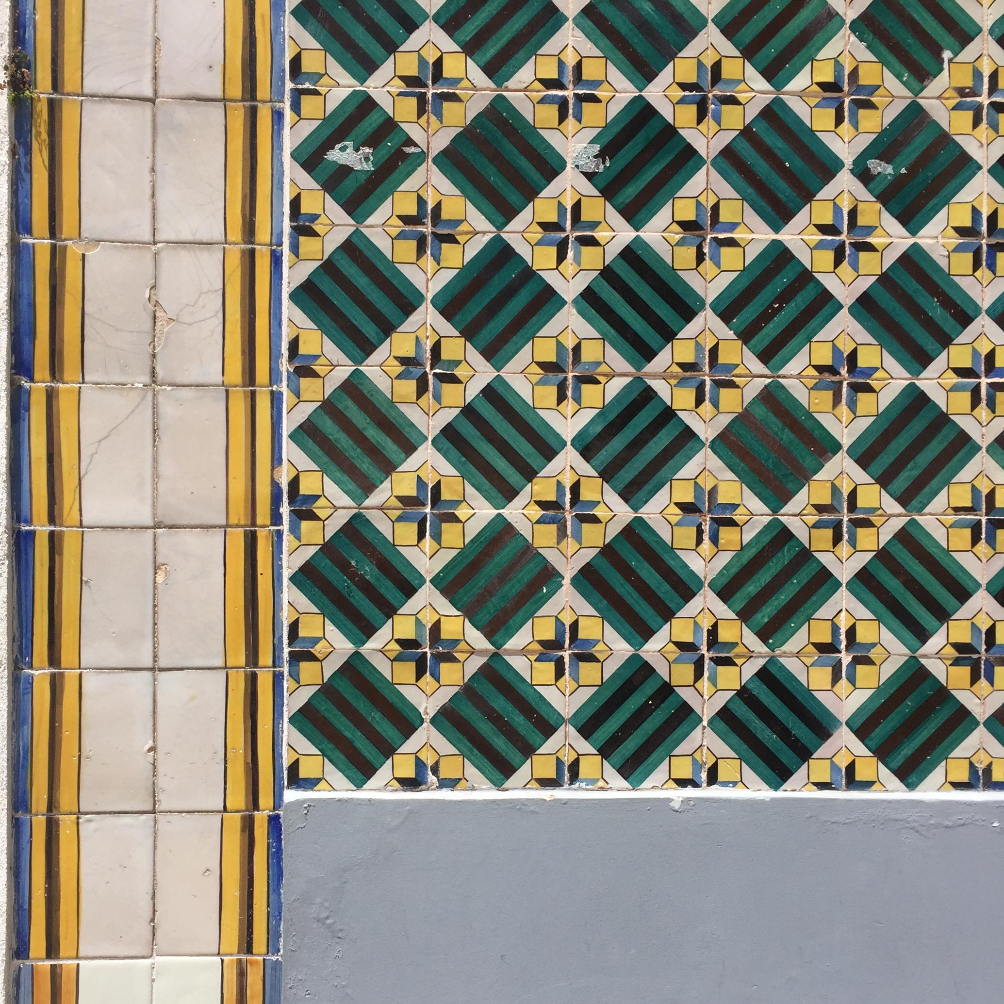 Lisbon tiles 03.jpg