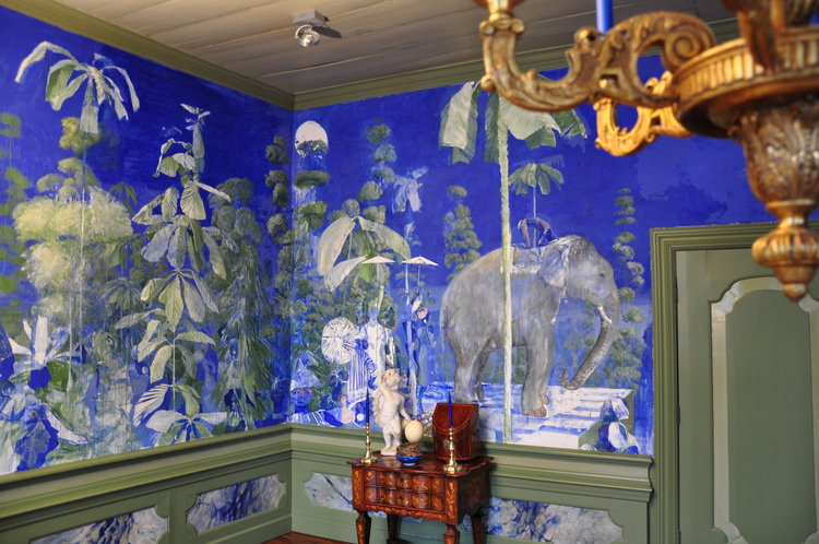 'Blue Room' painted by Matthijs Röling.