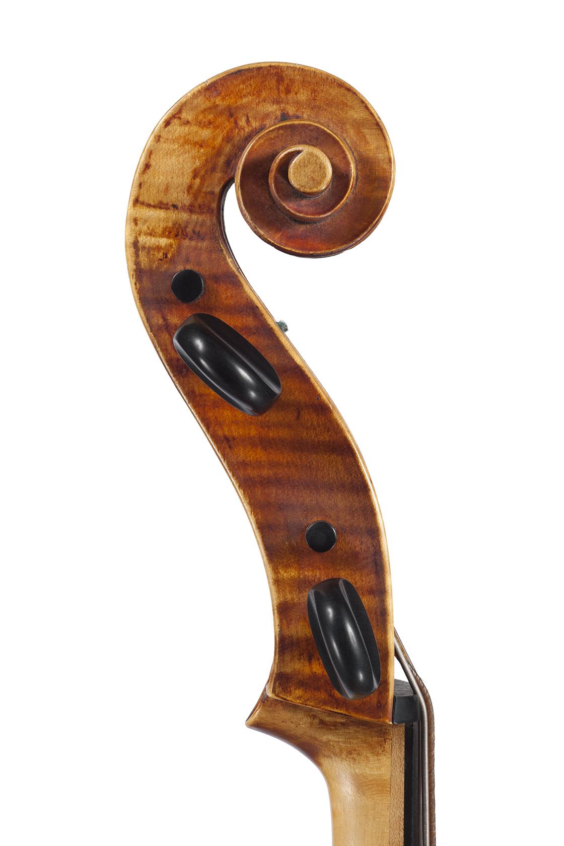 Crijnen-Baroque-'Cello-scroll-Detmar-Leertouwer-Dominus-Maris-Music-Productions.jpg