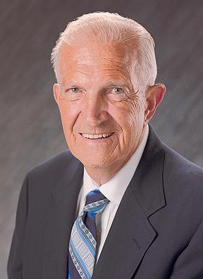 Dr Ken Taylor July 2000 4x5 web.jpg