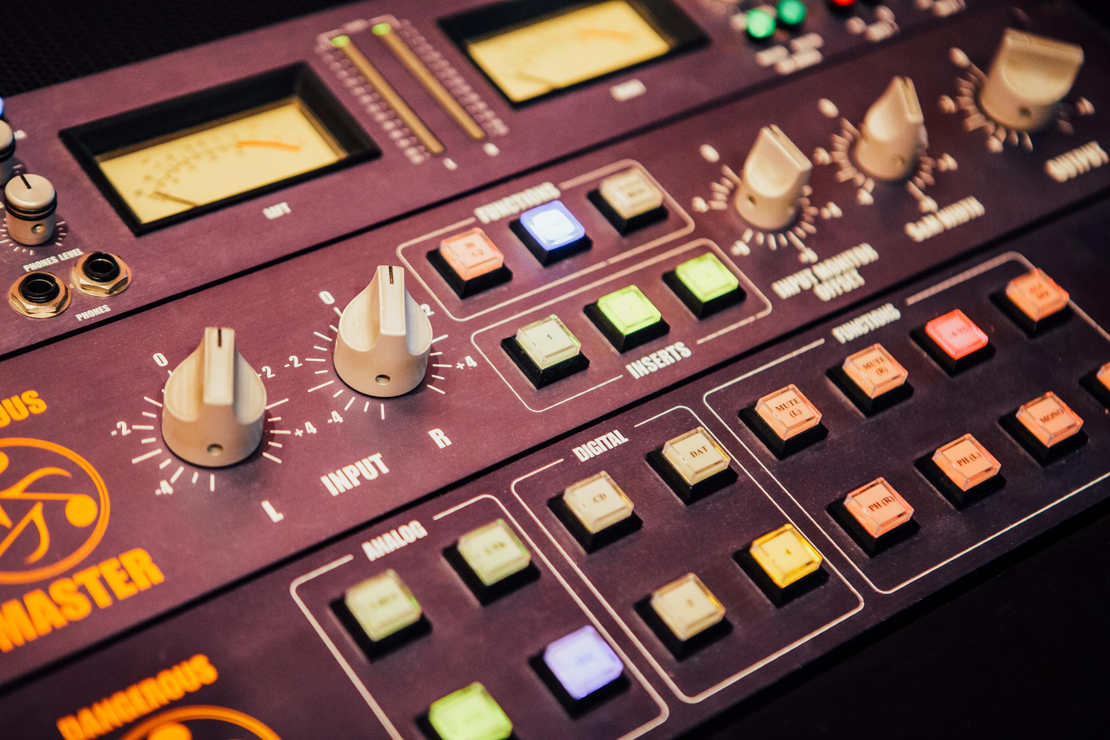 Gravity-Studios-Mastering-Equipment-Filter.jpg
