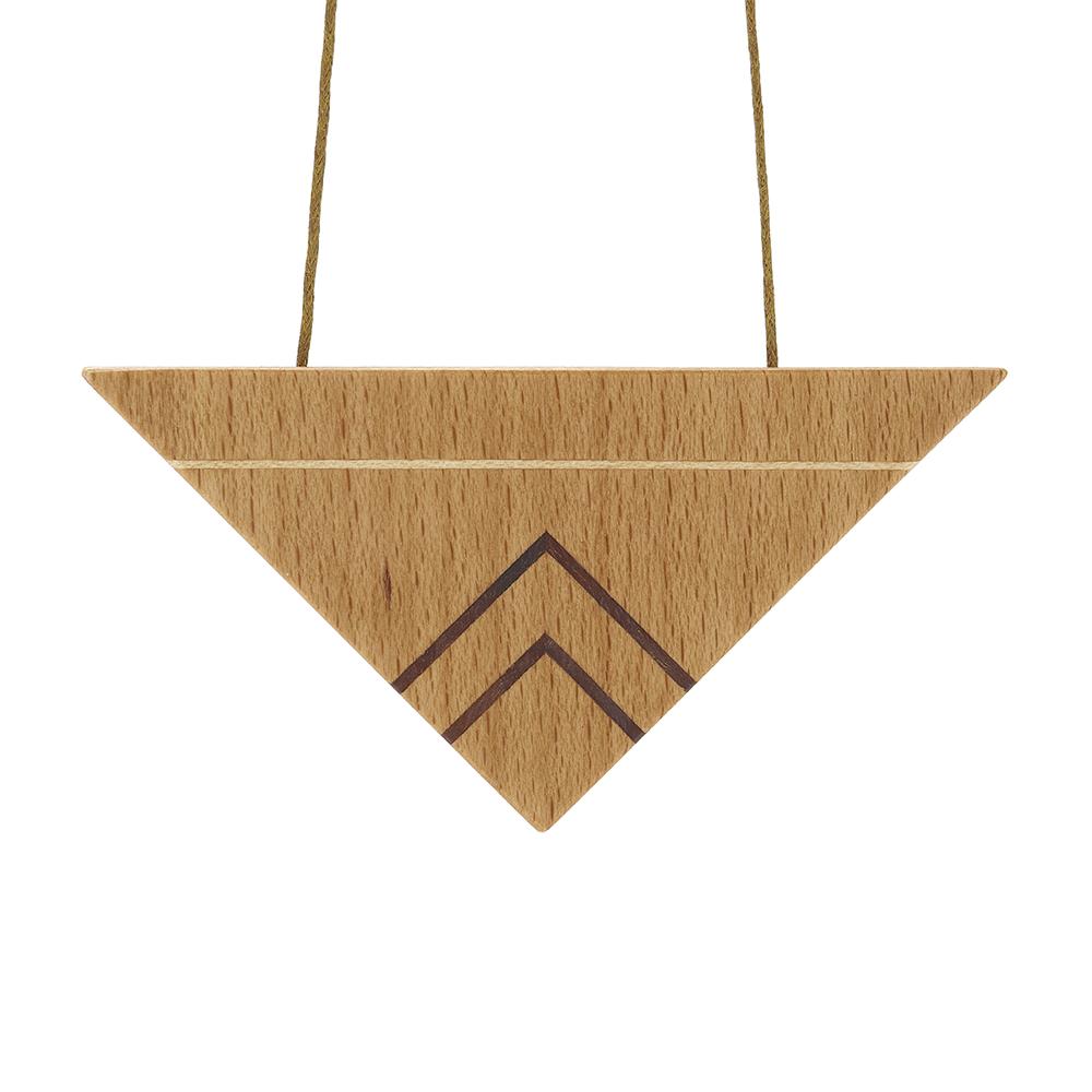 Light_Triangle_Necklace_2.jpg