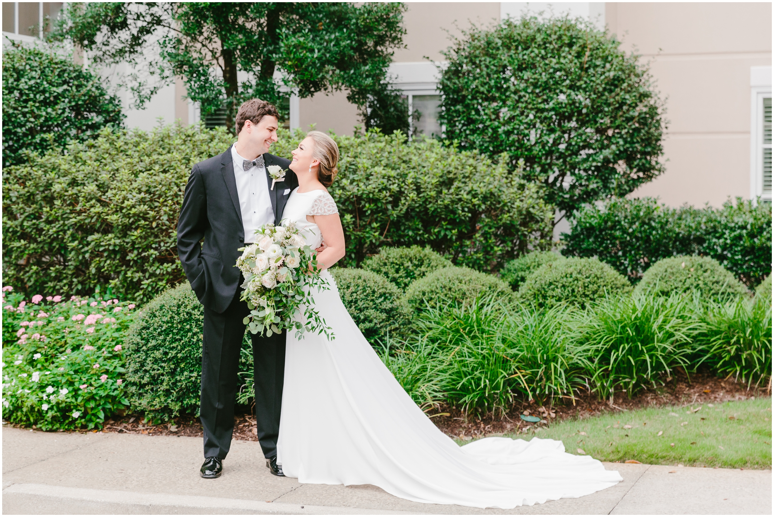 bride and groom portraits at country club of charleston