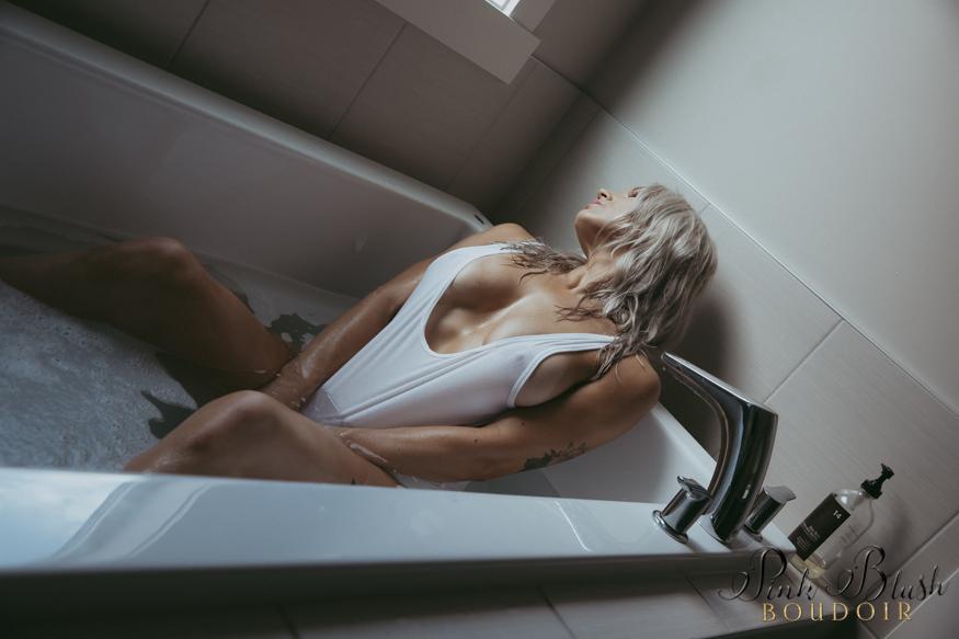 Bath tub Boudoir Photos Edmonton