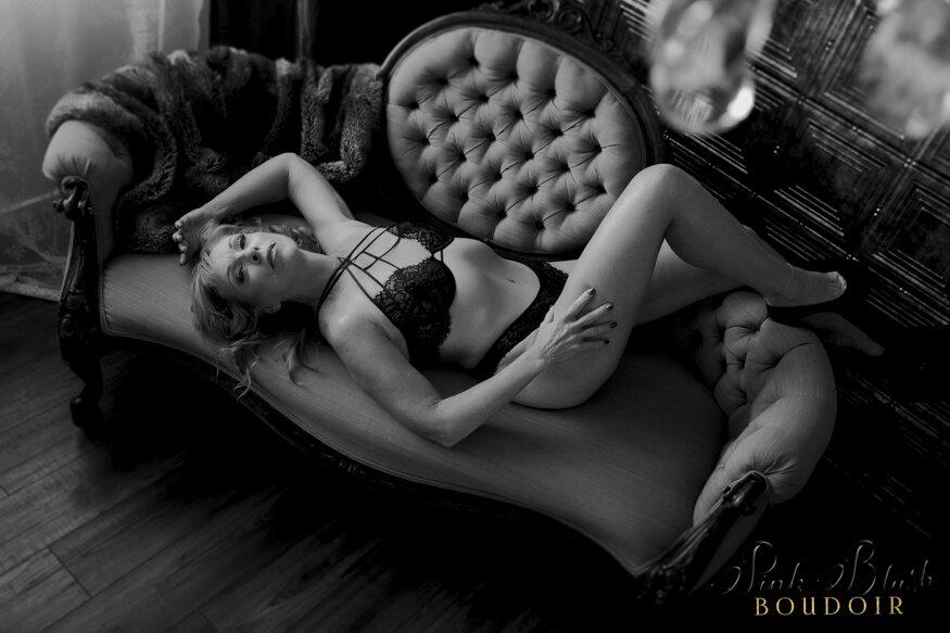 Mature women in Boudoir Photos