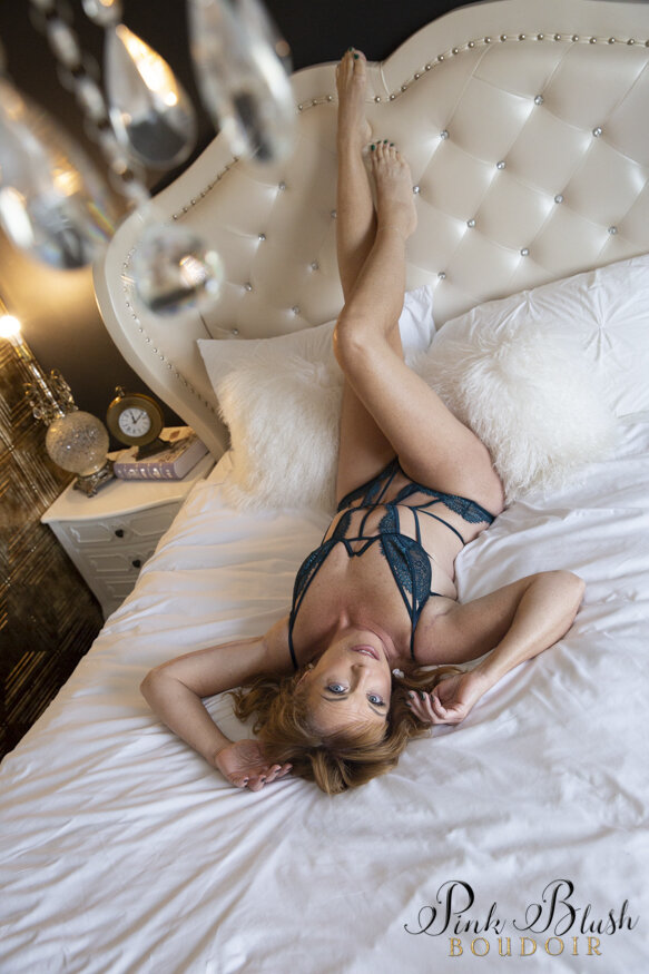 Mature women in Boudoir Photos