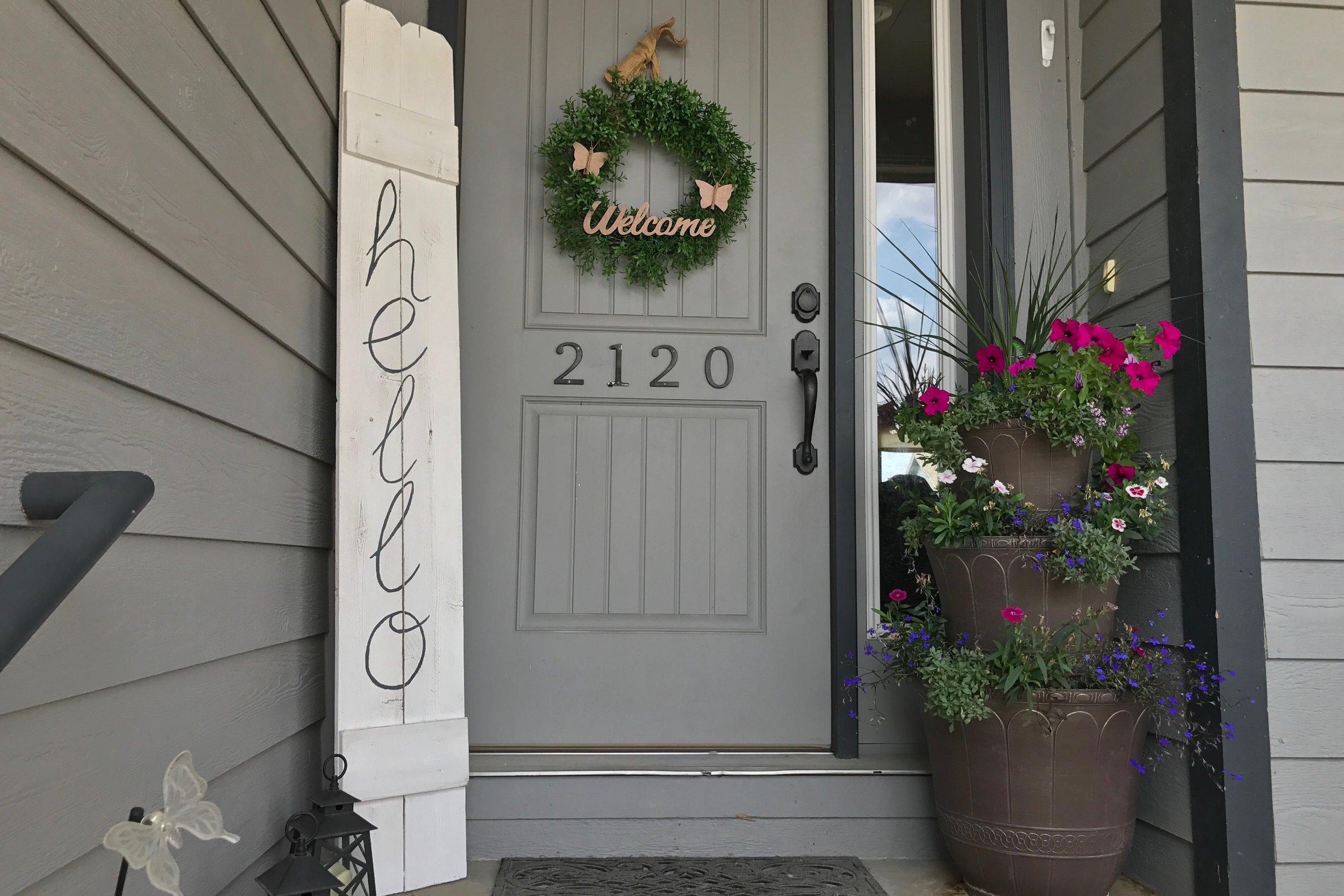 Peonies and Cream - DIY HELLO fence sign door display