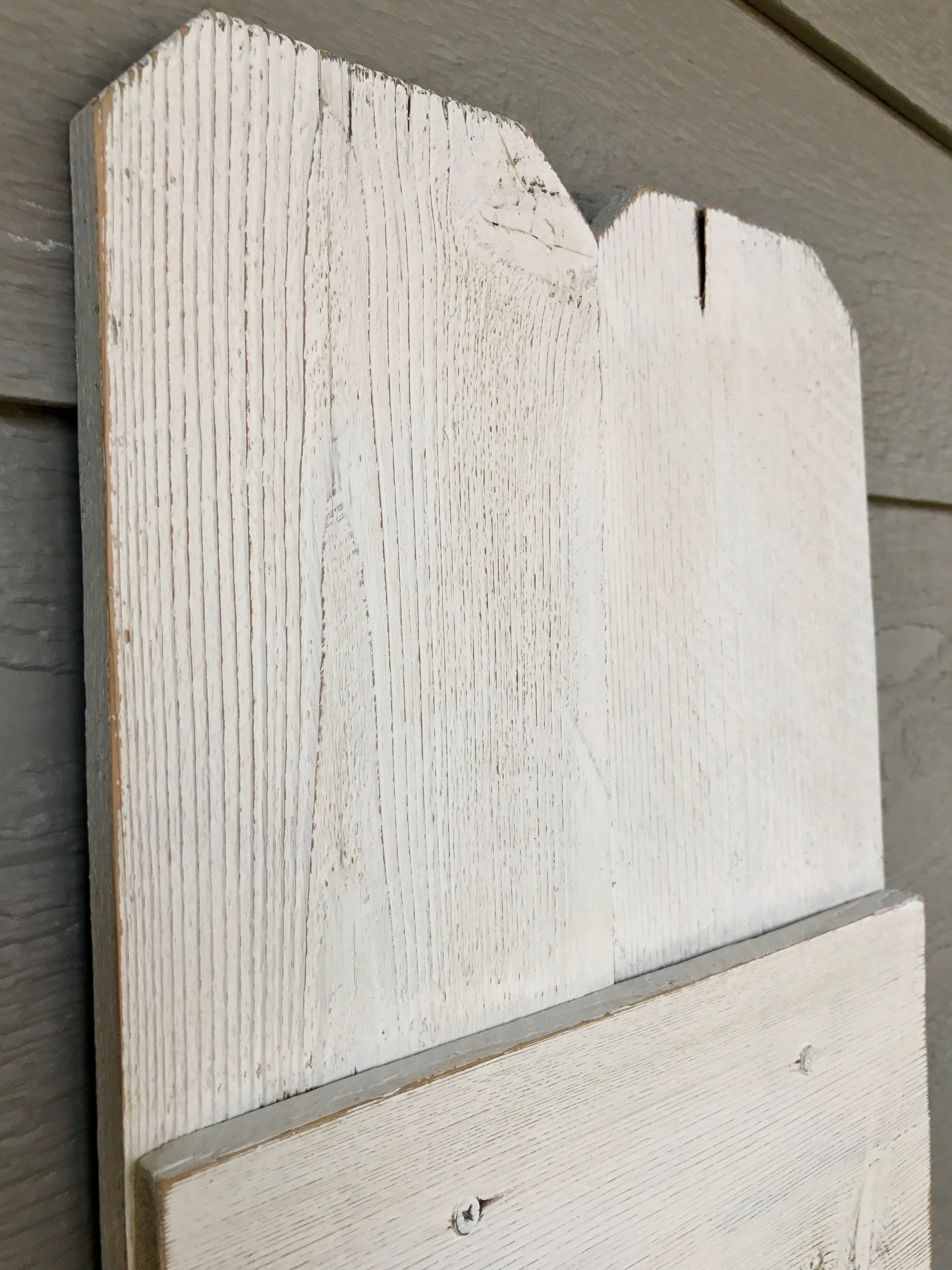 Peonies and Cream - DIY HELLO fence sign top and distressing