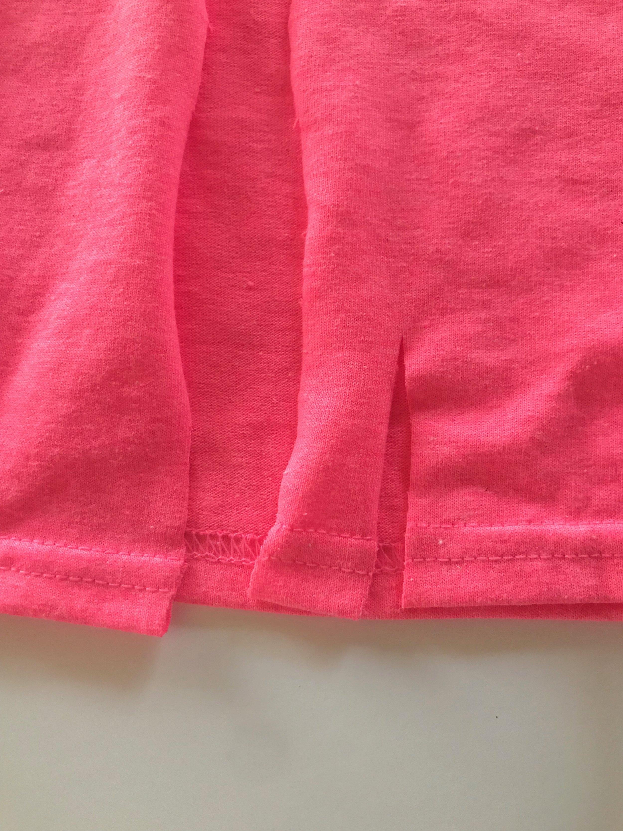 Easy T Shirt Bib Apron or Smock   Peonies and Cream