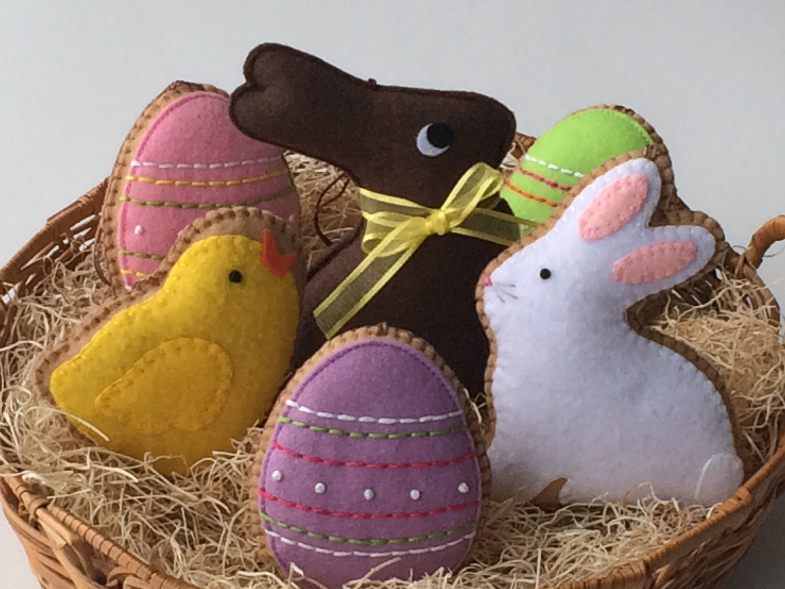 Easter Felt Ornaments PDF Sewing Pattern by Ginger Sweet Crafts | on Peonies and Cream