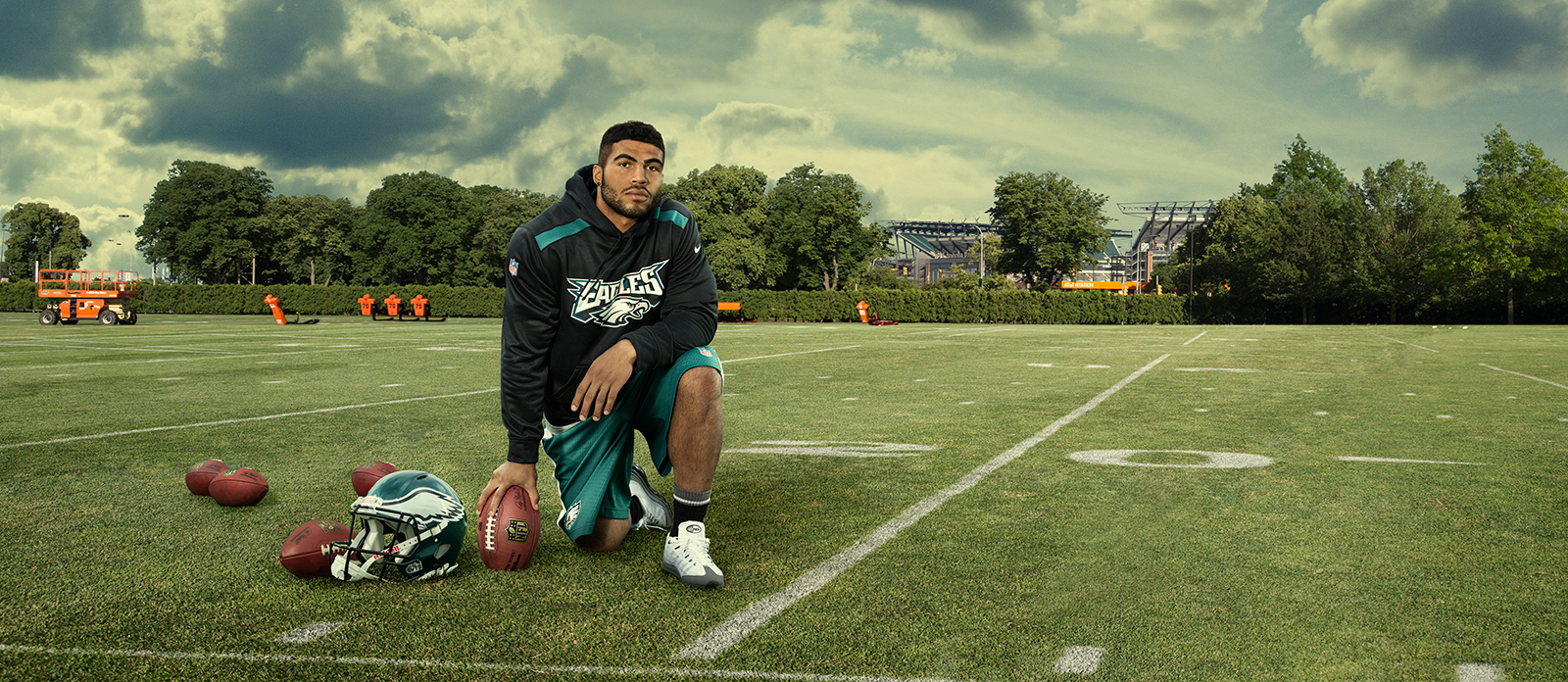 EAGLES_KENDRICKS_COMP_PANO.jpg
