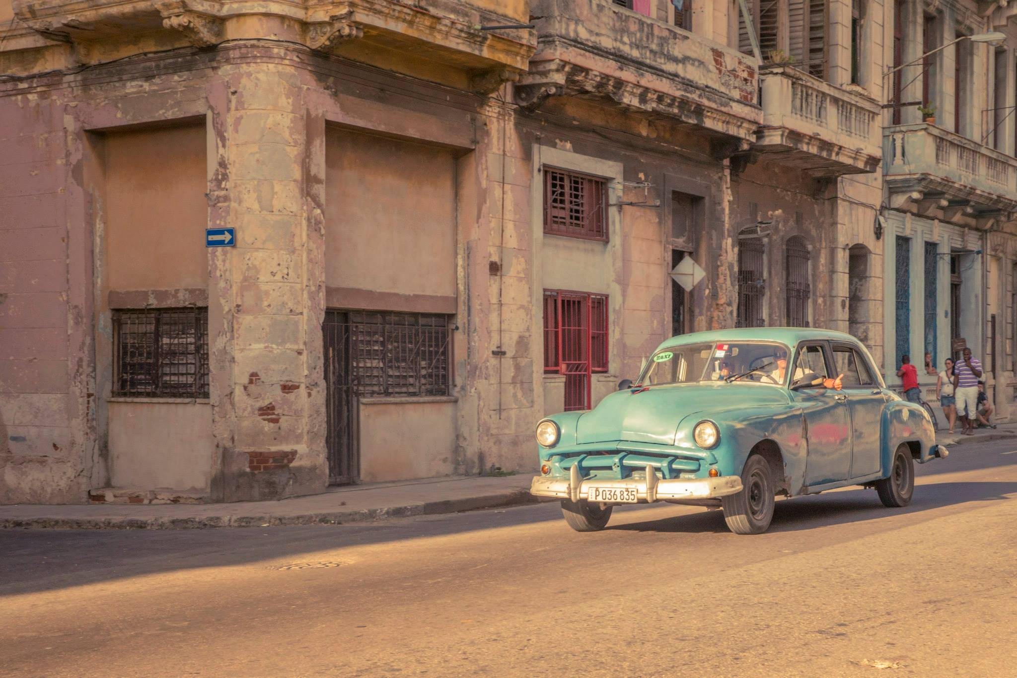 CUBA_CARS_1.jpg