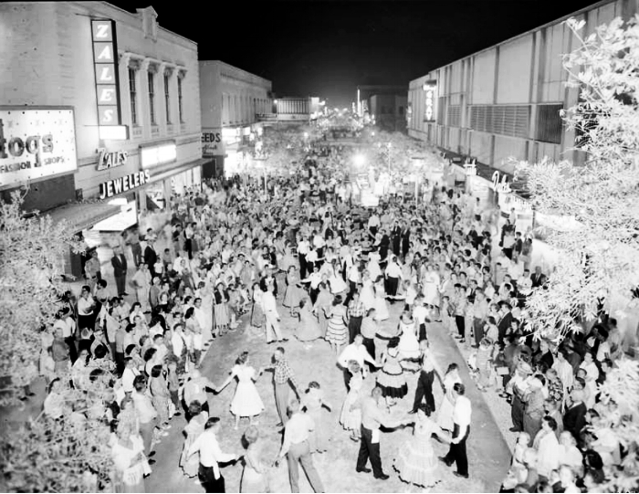 For more historic images of Downtown Pomona click on photo.
