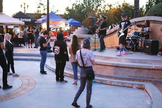 Downtown-Pomona-ARtwalk-9-9-17-15.jpg