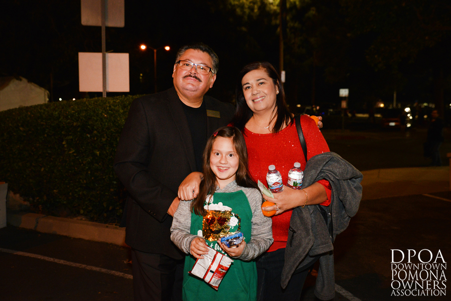Pomona Christmas Parade 2017DSC_8256 copy.jpg