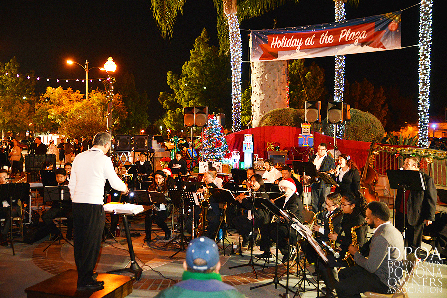 Pomona Christmas Parade 2017DSC_8283.jpg