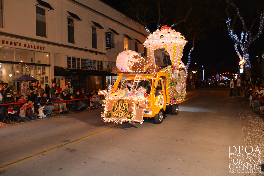 Pomona Christmas Parade 2017DSC_8311 copy.jpg