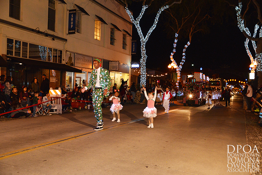 Pomona Christmas Parade 2017DSC_8347.jpg