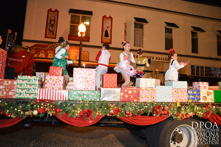 Pomona Christmas Parade 2017DSC_8366 copy.jpg