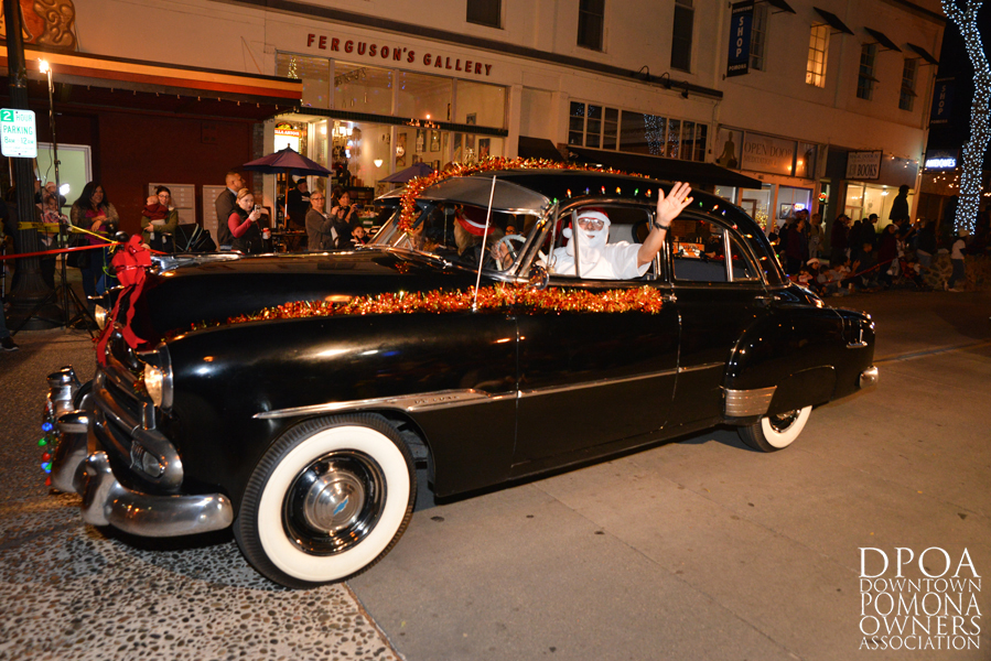 Pomona Christmas Parade 2017DSC_8381 copy.jpg
