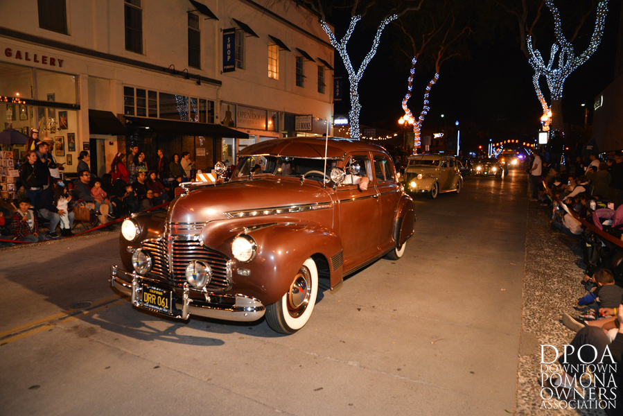 Pomona Christmas Parade 2017DSC_8382 copy.jpg
