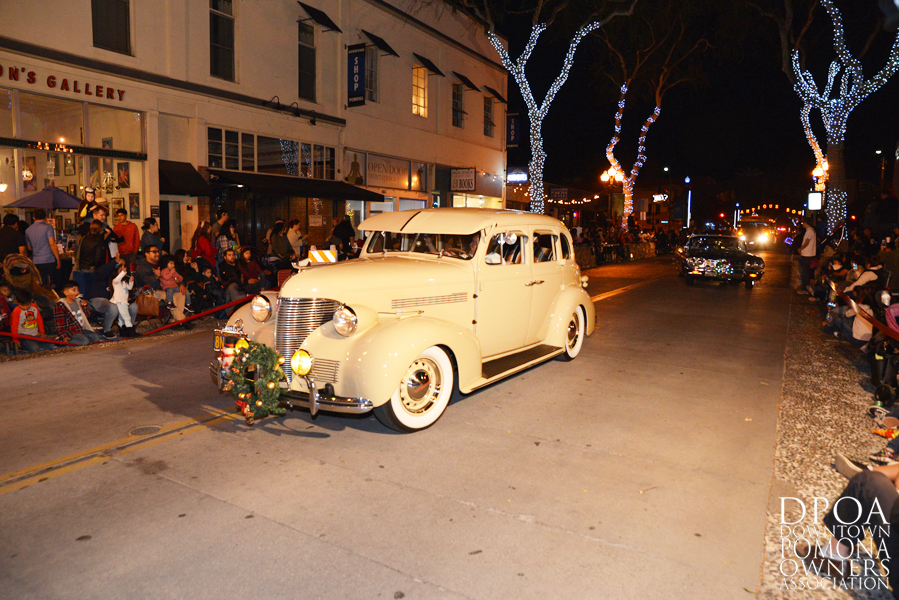 Pomona Christmas Parade 2017DSC_8383 copy.jpg