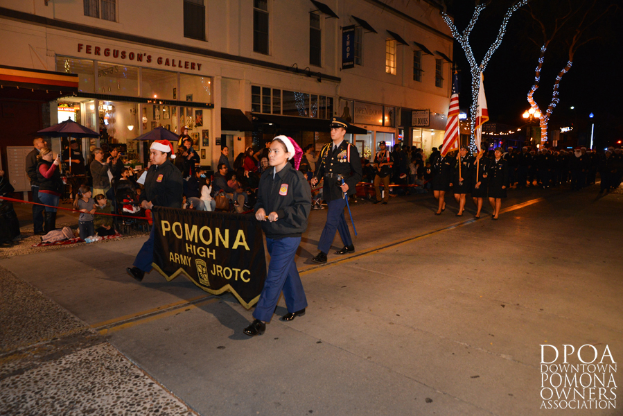 Pomona Christmas Parade 2017DSC_8411 copy.jpg
