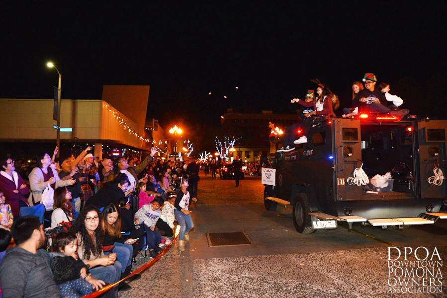 Pomona Christmas Parade 2017DSC_8443 copy.jpg