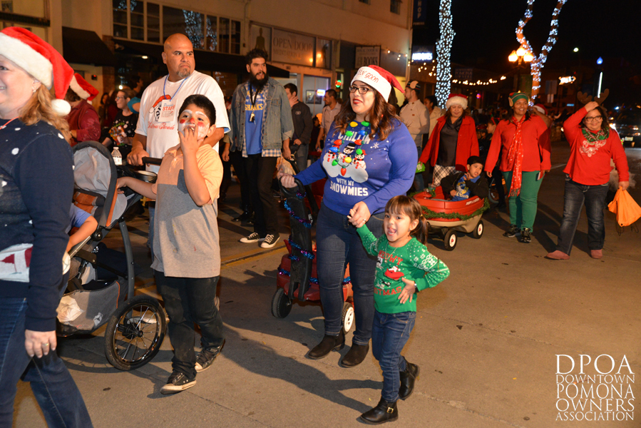 Pomona Christmas Parade 2017DSC_8484 copy.jpg