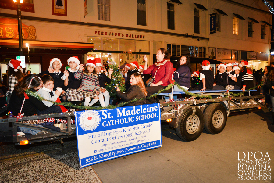 Pomona Christmas Parade 2017DSC_8506 copy.jpg