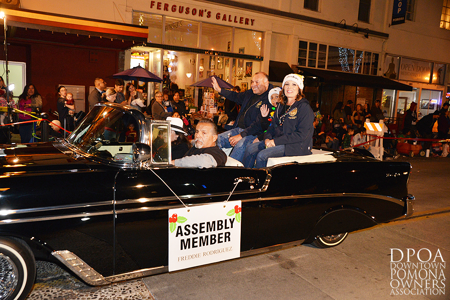 Pomona Christmas Parade 2017DSC_8518 copy.jpg