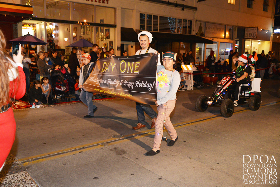 Pomona Christmas Parade 2017DSC_8533 copy.jpg