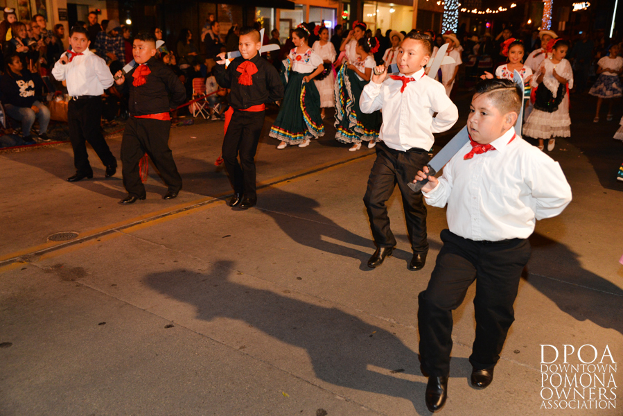 Pomona Christmas Parade 2017DSC_8564 copy.jpg