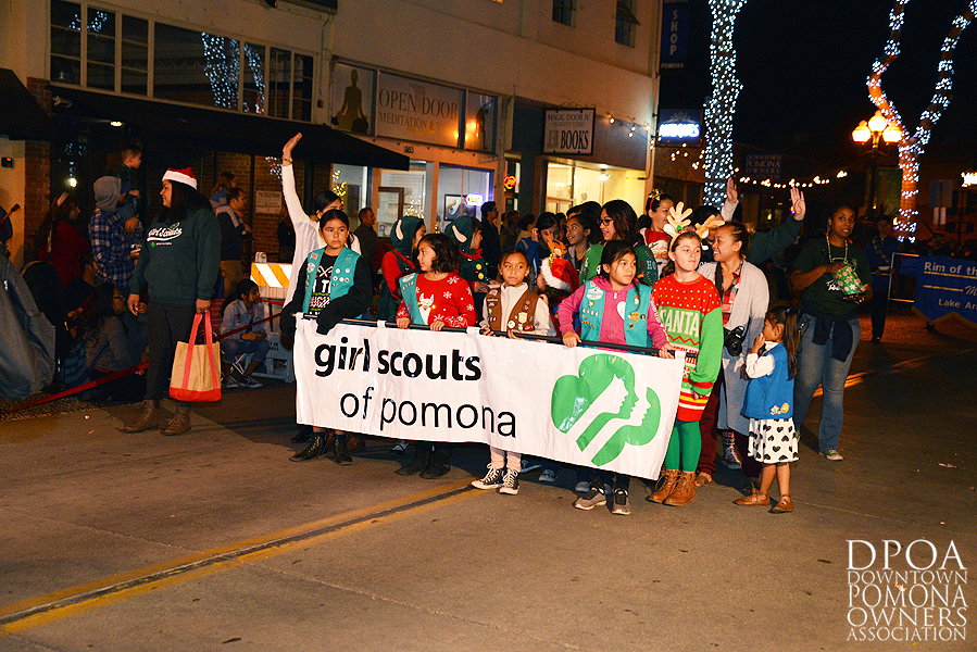 Pomona Christmas Parade 2017DSC_8570 copy.jpg