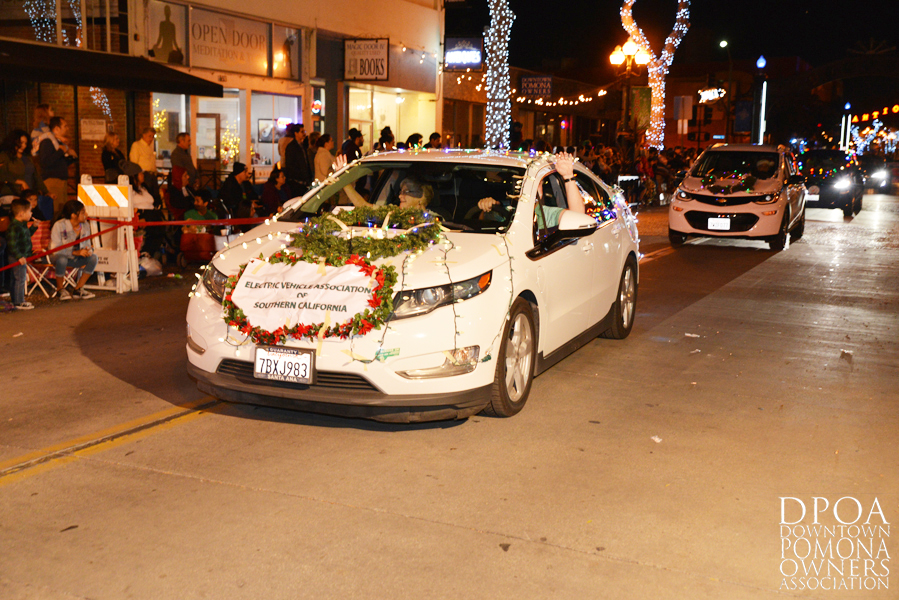 Pomona Christmas Parade 2017DSC_8589 copy.jpg