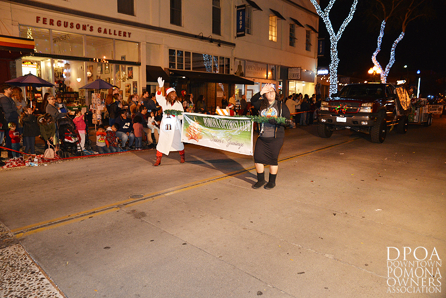 Pomona Christmas Parade 2017DSC_8628 copy.jpg