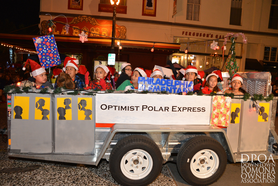 Pomona Christmas Parade 2017DSC_8633 copy.jpg