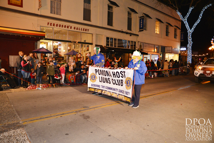 Pomona Christmas Parade 2017DSC_8636 copy.jpg