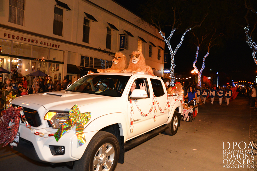 Pomona Christmas Parade 2017DSC_8637 copy.jpg
